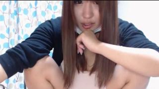 日本知名網站付費直播 櫃姐才剛下班還沒洗澡就先開台囉~