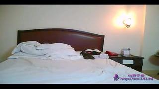 錄到剛到飯店的小情侶打砲的影片