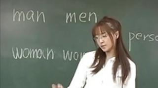スズキマナミが教室で汲み上げられる