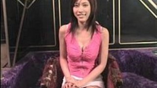 乳首が感じるのか巨乳を揉まれて時々ピクッてなってるのが可愛いw|イクイクXVIDEOS日本人無料エロ動画まとめ