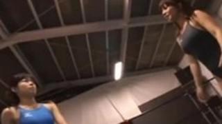 レズビアンレスリング(性的クライマックスに勝つ女性の戦い)