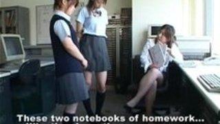 でた!女教師がお仕置きの為に制服娘をスパンキングするやつ!!素人|イクイクXVIDEOS日本人無料エロ動画まとめ