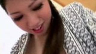 日本の美人は彼女のサブを所有しています
