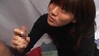 【素人エロ動画】普通の女の子にいつもしてるフェラをしてもらったらプロ並のテクを持っていたwww