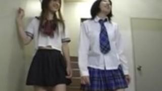 日本のビッグクリトリスのレズビアン