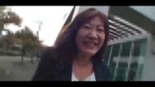 52yo毛深い日本人おばあちゃん美智子大川のPt。 1(無修正)