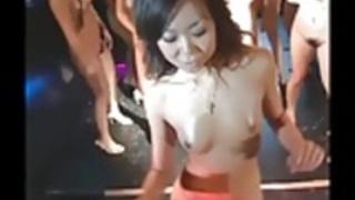 ダイヤ&日本ゴーゴーの女の子のスーパーグループストリップダンス楽しいです