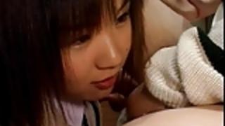 ファックAガイで日本語女子高生グループストラップ