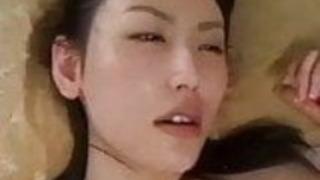 日本人教師と学生のセックスシーン