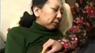 自然の怪物119日本のおばあちゃんのパンティー