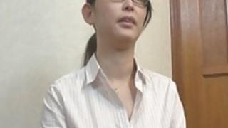 日本人の熟女ミナコ