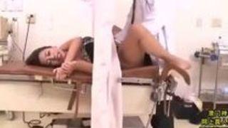 病院で先生にハメられイかされまくる巨乳ギャル人妻 松本メイ