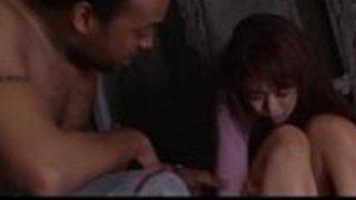 黒人と三人組に強制された日本の女性 -  http://javhd.euで完全無修正の時計