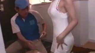 Rio 毎日頑張ってる宅配屋さんにタイト衣装とマウスサービスでお出迎え